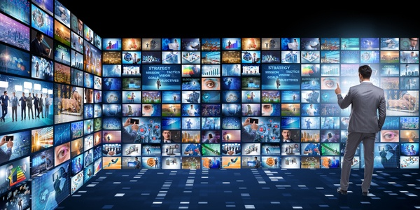 QuickCOM and Vitalcast: the added value of digital signage